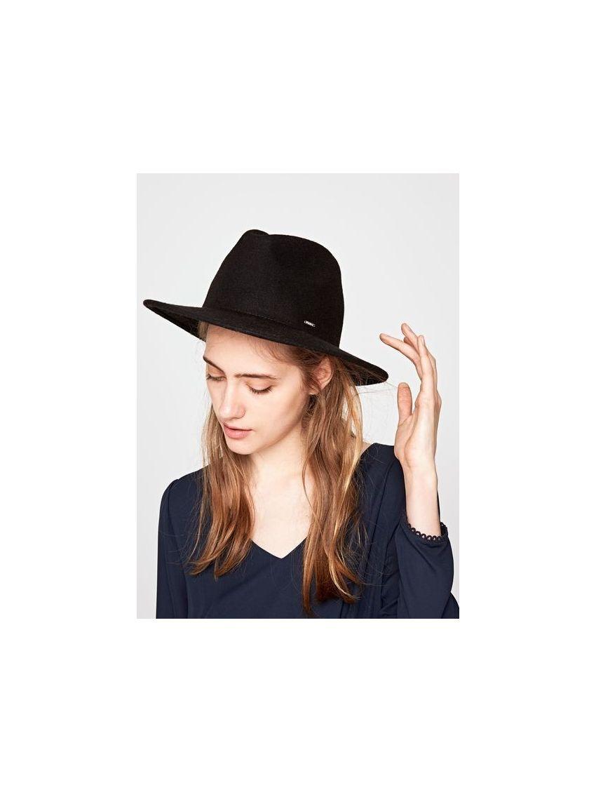 černý klobouk dámský Pepe Jeans PHILANA - 919 CONCEPT STORE b62acb924b